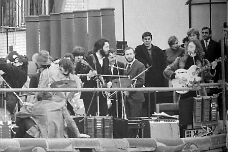 Concert at the roof of Apple Studios